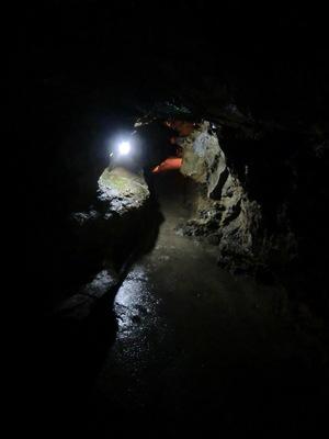 竜ヶ岩洞 登竜門